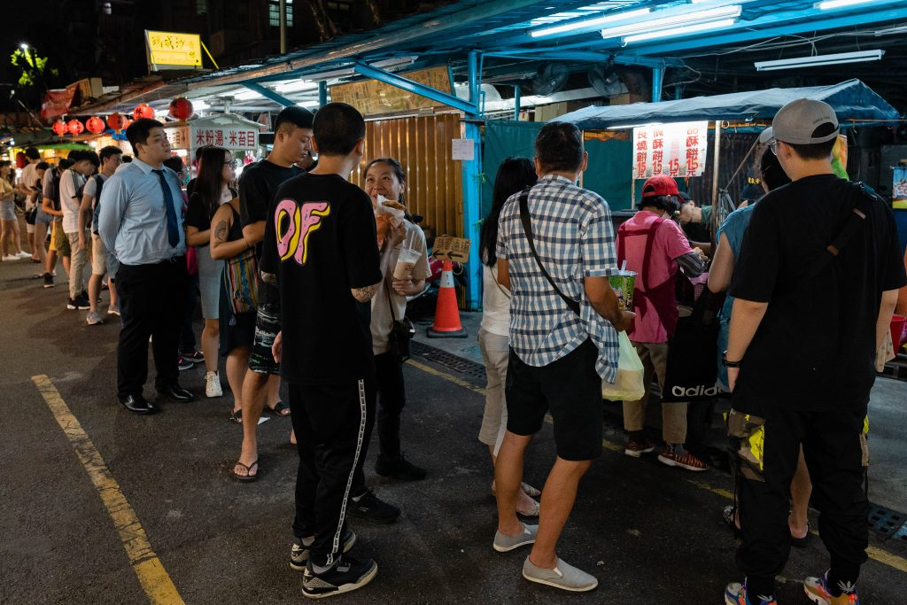 long line for shaobing